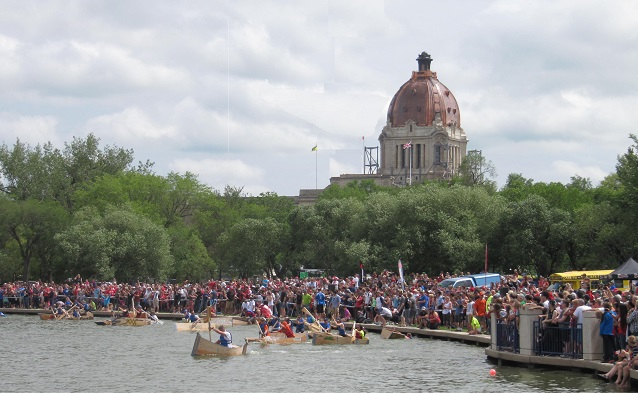 r-Wascana_Lake_Canada_Day.jpg