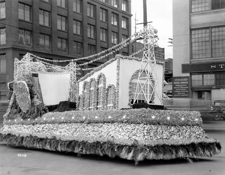 10._1950_parade.jpg