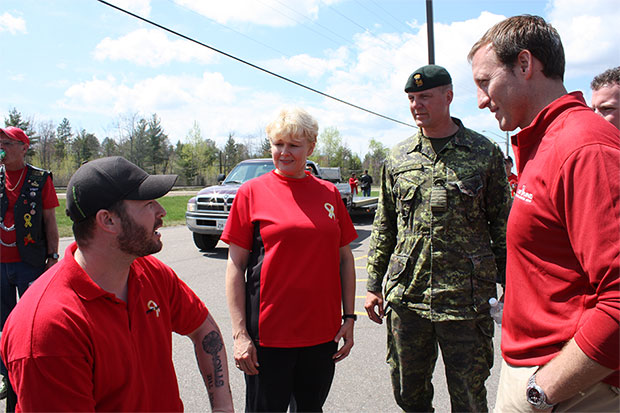 Supporting Medically Released Veterans MP-Gallant-with-Minister-Mackay-and-Master-Cpl-Jody-Mitic-May-8th-2009-620