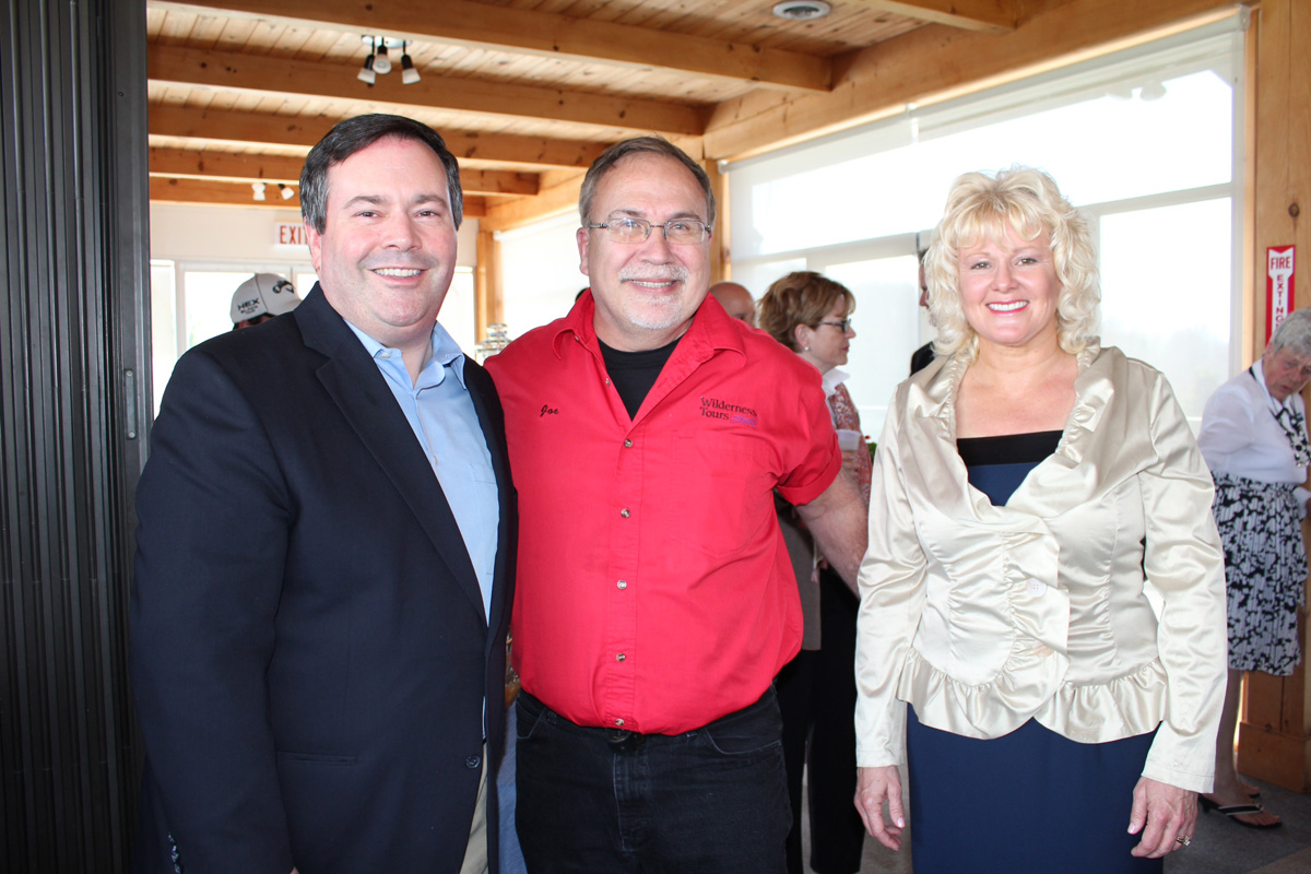 Minister_Jason_Kenney_in_Cobden_with_MP_Cheryl_Gallant_(11).jpg