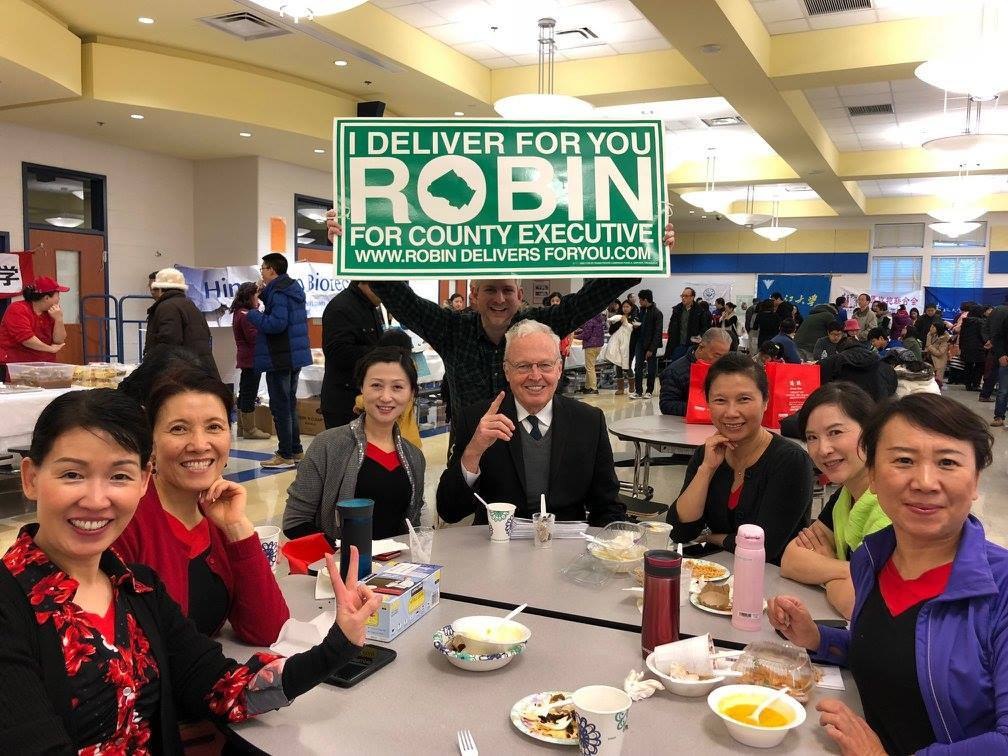 Robin_at_event_with_Chinese_American_community.jpg