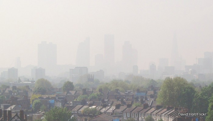 London_smog_David_Holt_Flickr.jpg
