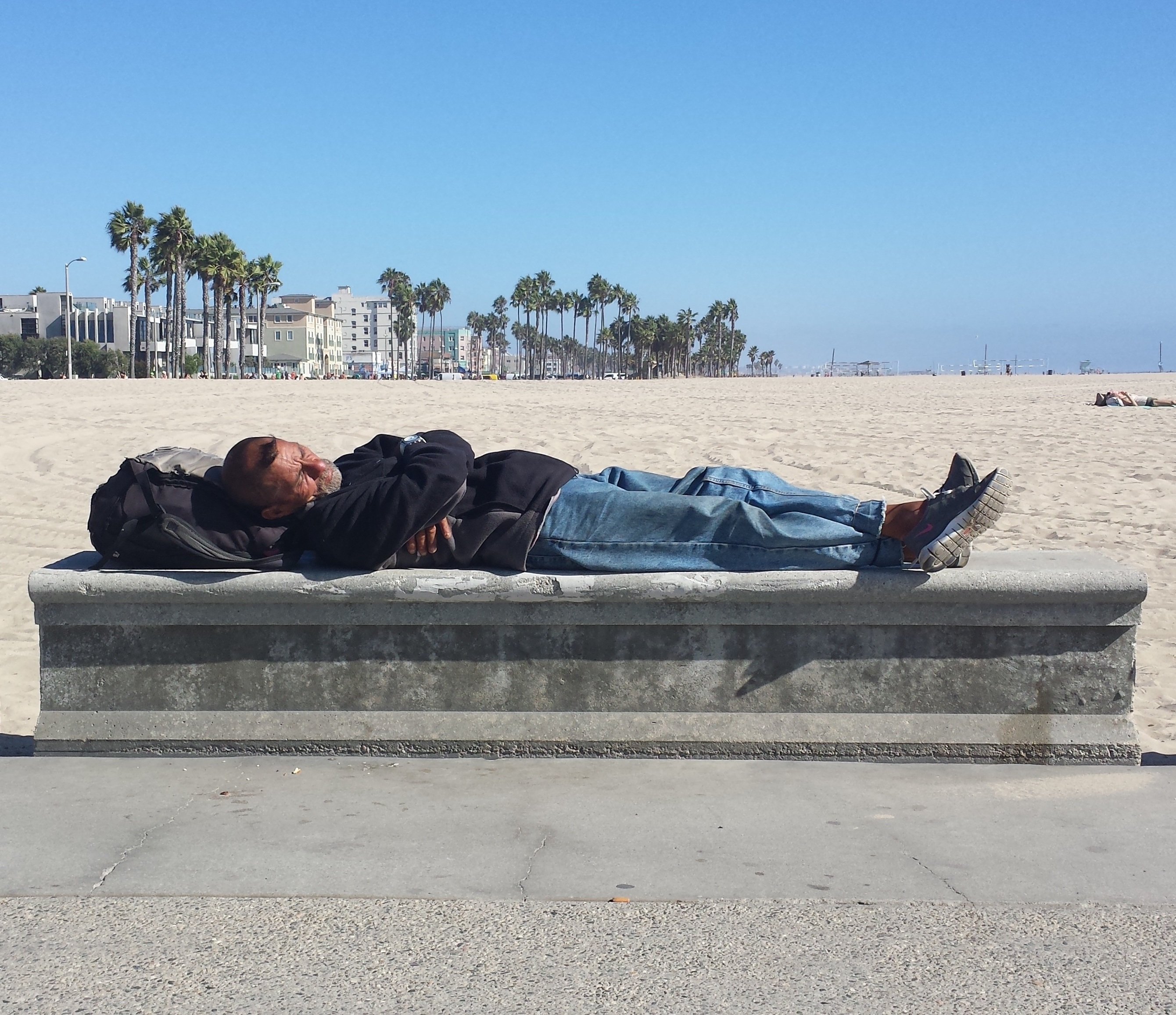 beach-1438785_vertical.jpg
