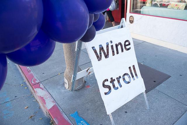 Wine_Stroll_2.jpg