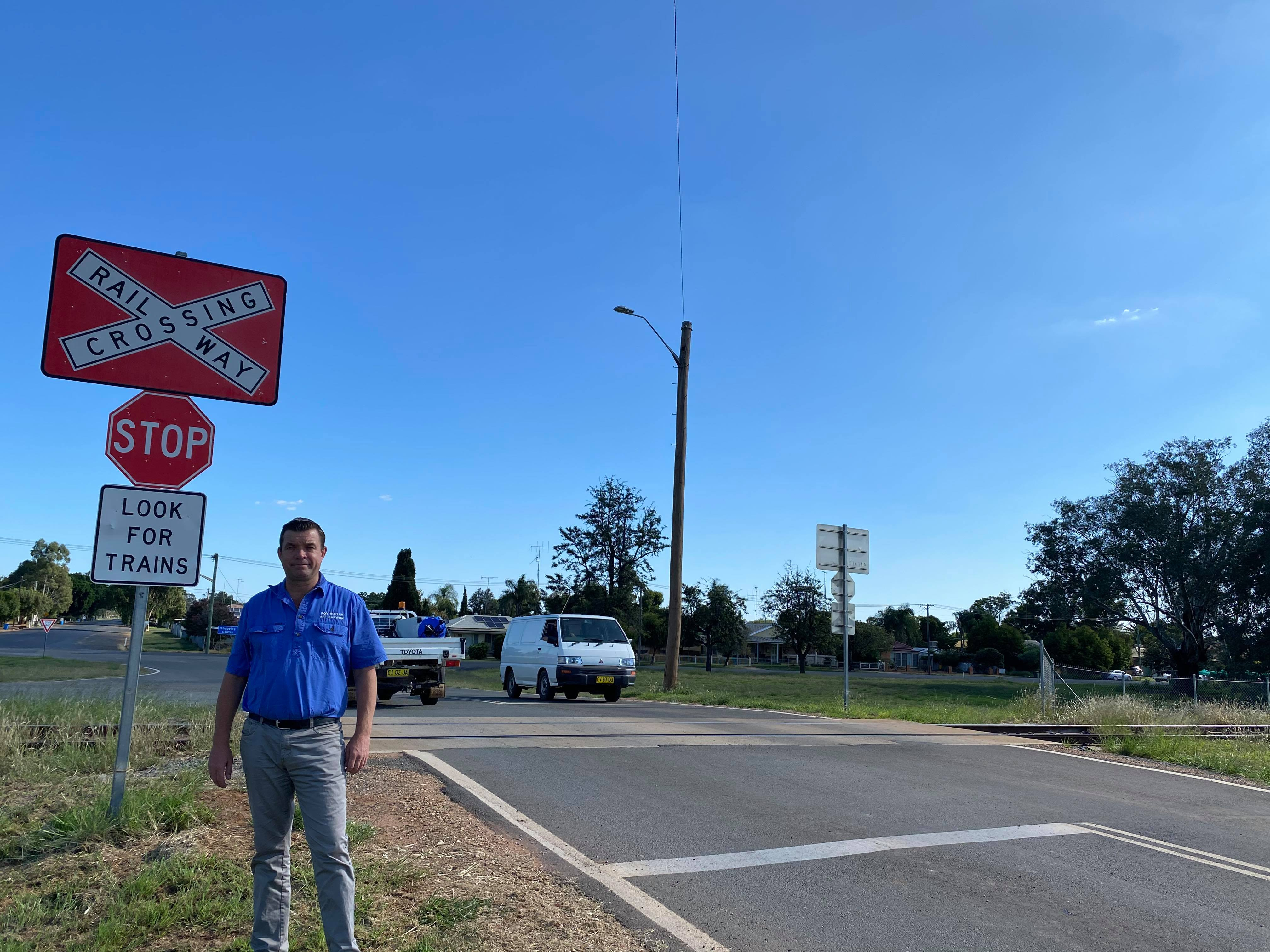 No lights, no boom gates – more must be done to fix unsafe level crossings Image