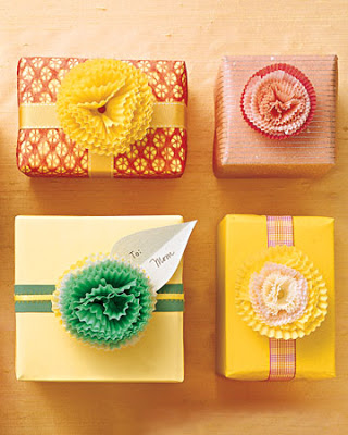 https://d3n8a8pro7vhmx.cloudfront.net/rpcvw/pages/454/meta_images/original/Creative-Gift-Wrap-gift-wrapping-cup-cake-lining-bow-embellishment-fun-cute-funny-idea-fun-easy-unique-beautiful-craft-diy-christmas-birthday-christmas-anniversary-festival-inspiration_%281%29.jpg?1418591476