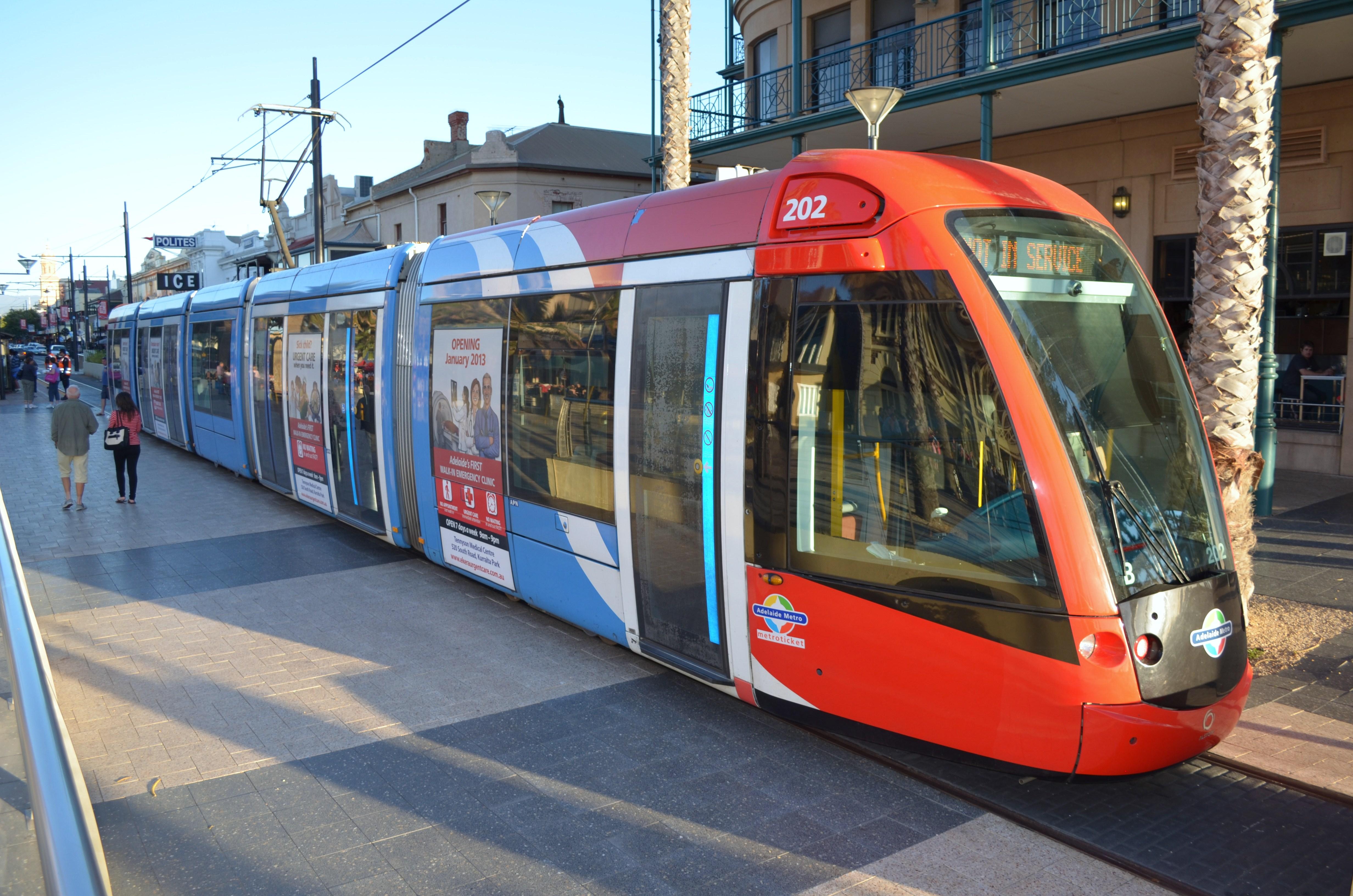 Adelaide_tram.jpg