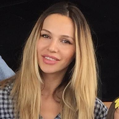 Amalia Handabut