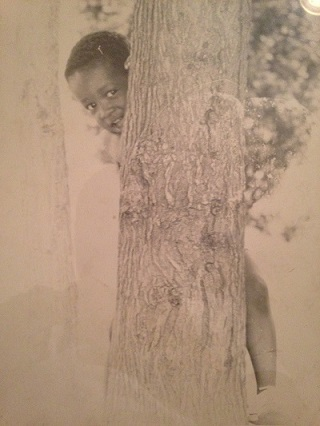 Jason_chid_behind_tree_2.jpg