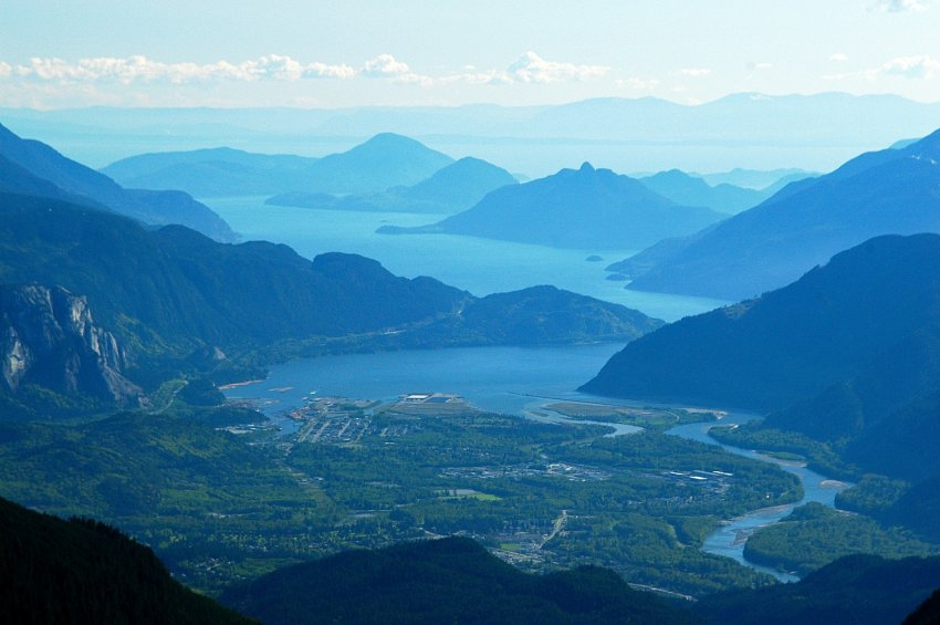 Howe Sound and Squamish looking out to the Pacific