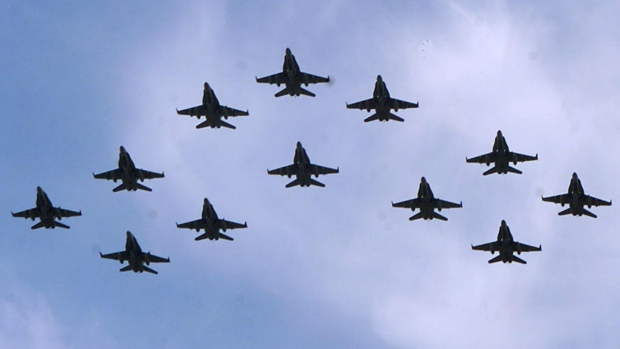 CF-18s_formation.jpg