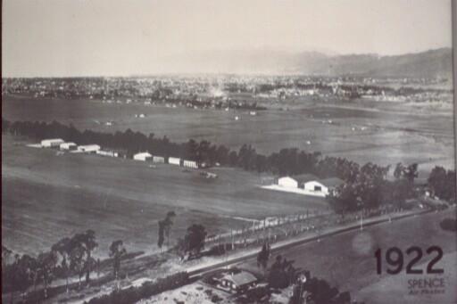 1922-santa-monica-airport.jpg