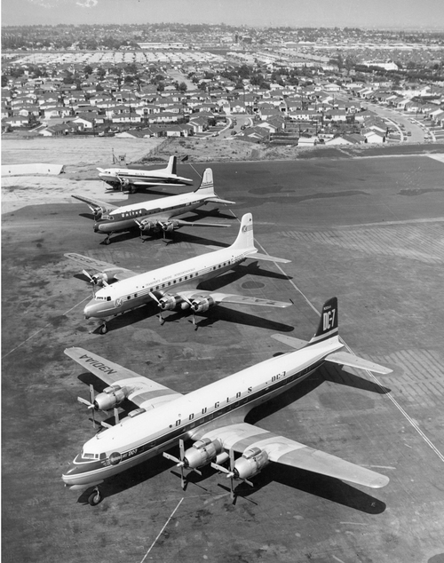SMO-ramp-looking-east-DC-7-thru-DC-3-1953.png