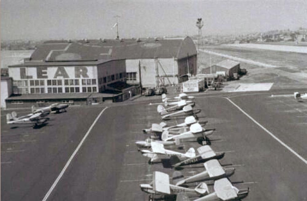 Lear-hangar-at-SMO.jpg