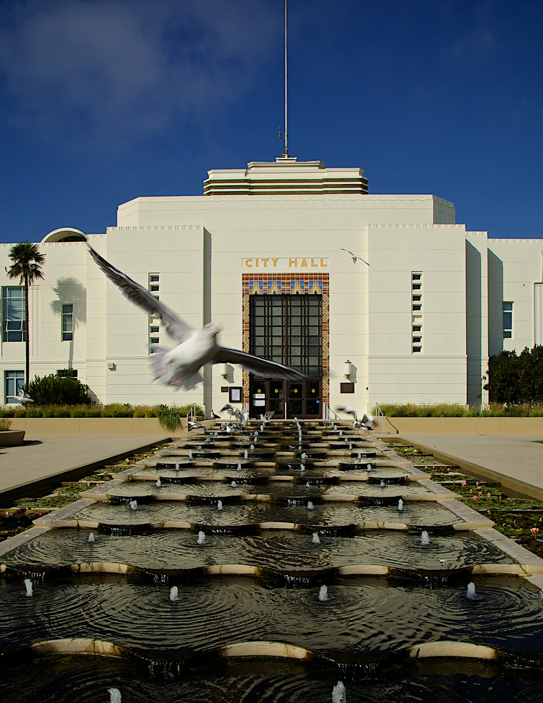 Santa_Monica_City_Hall.JPG