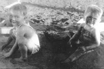 kids_asbestos_play.JPG