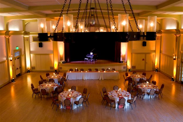 Ballroom_sample_setup_photo_by_Kristin_Renee.jpg