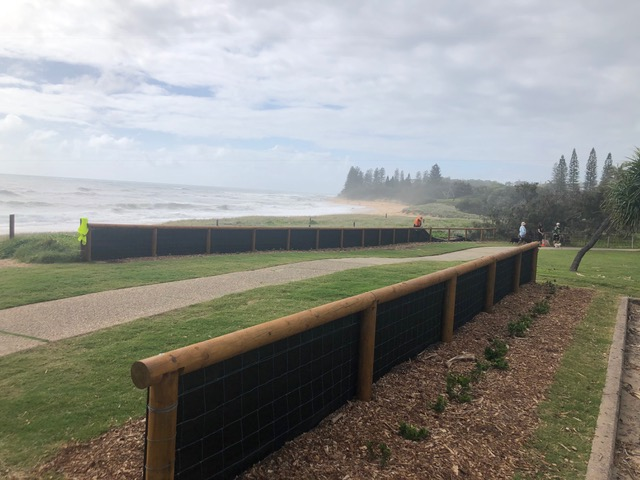 Shelly Beach-shade cloth being removed Dec20