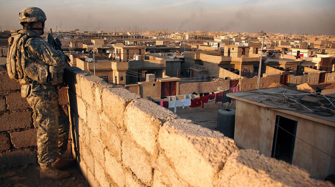 US_soldier_Iraq_rooftop.jpg