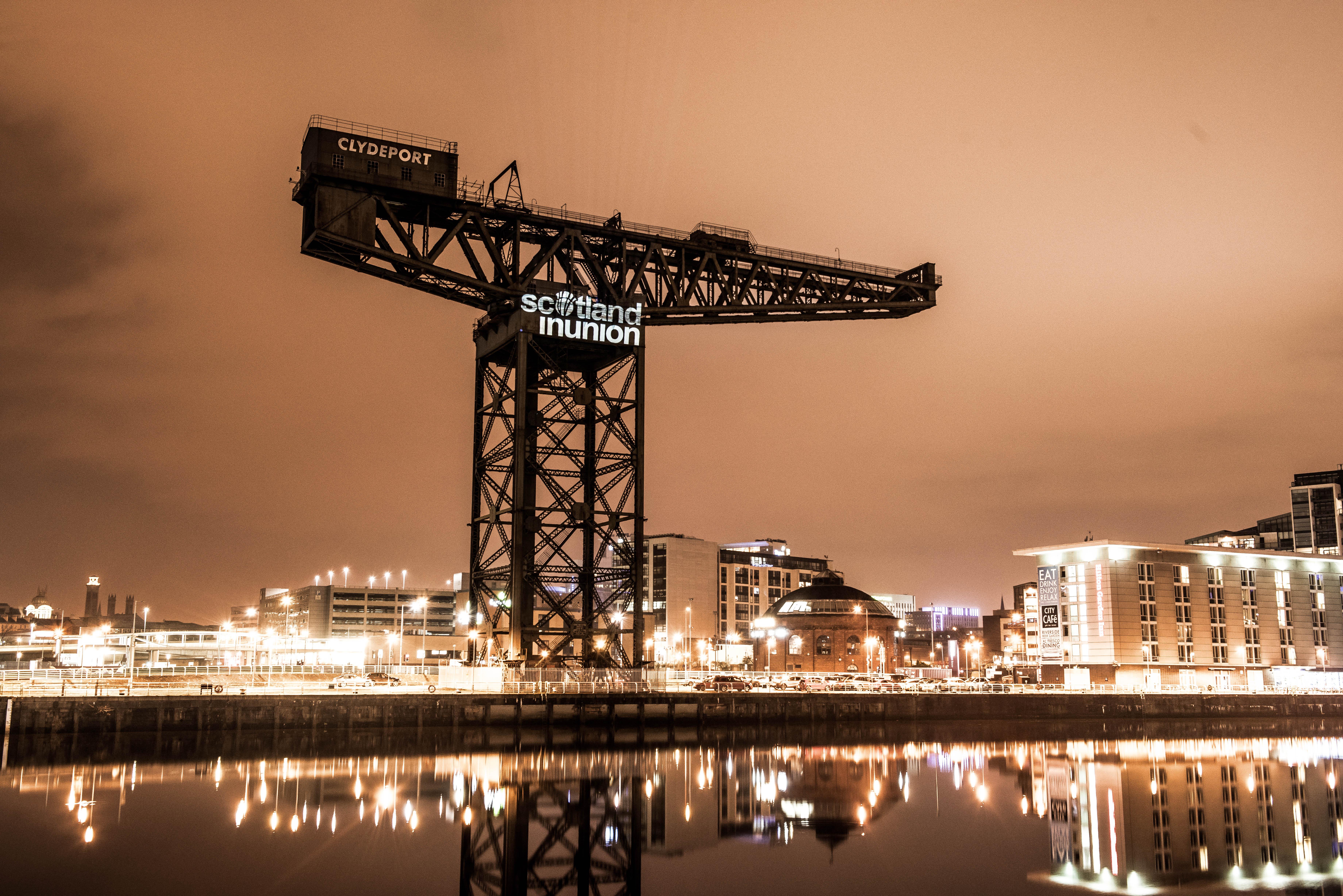 Projection-GlasgowCrane1.jpg