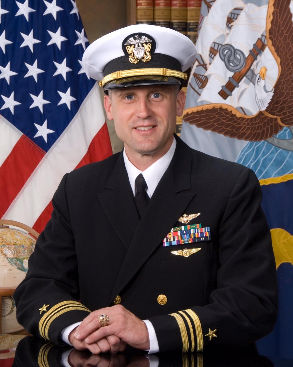 Scott_Commander_Photo.jpg