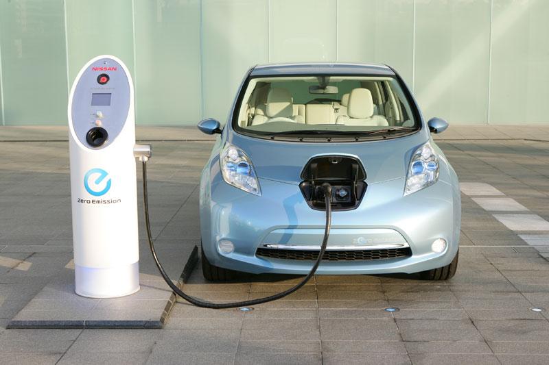 Nissan_LEAF_auto_electrico_3.jpg