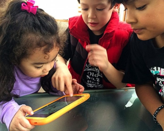 tecnologia-desarrollan-juguetes-aprender-lenguas-indigenas-696x554.jpg