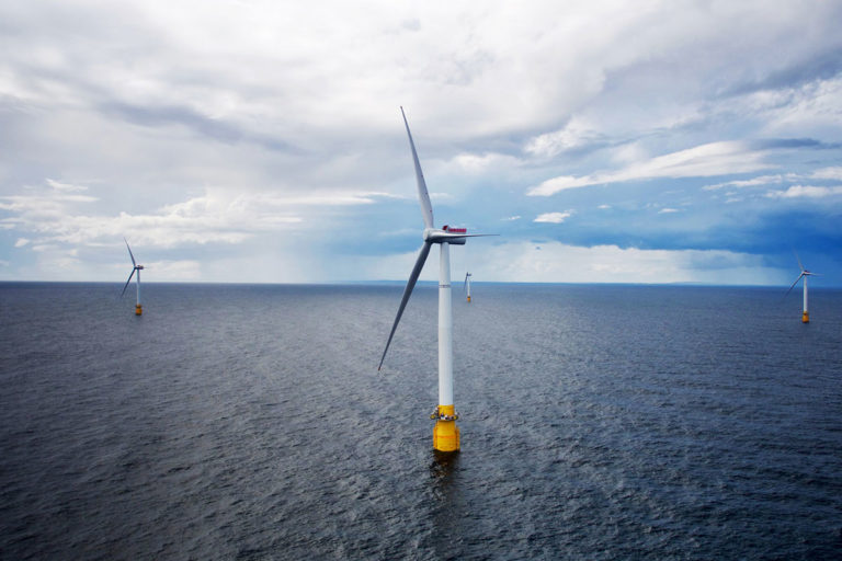 hywind-scotland-first-floating-offshore-wind-farm-768x512.jpg