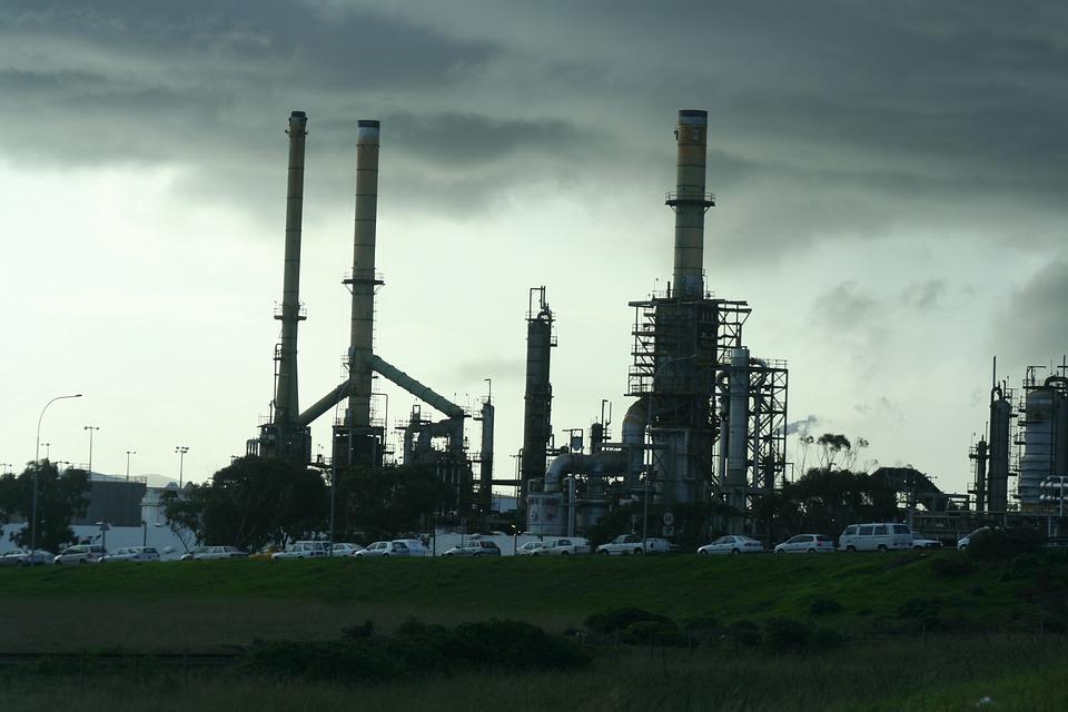 refinery-340439_960_720.jpg