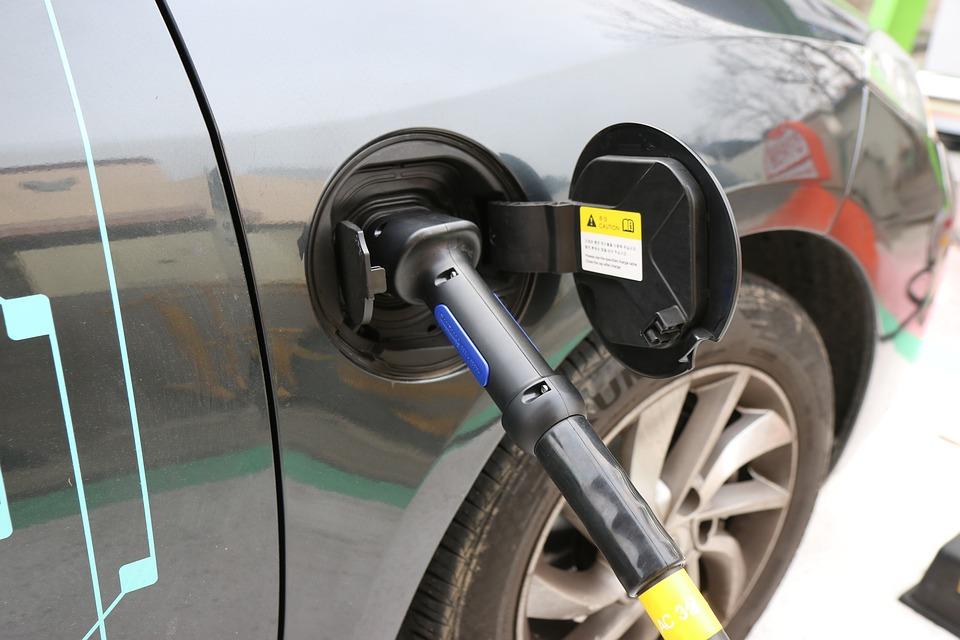 electric-cars-1068920_960_720.jpg