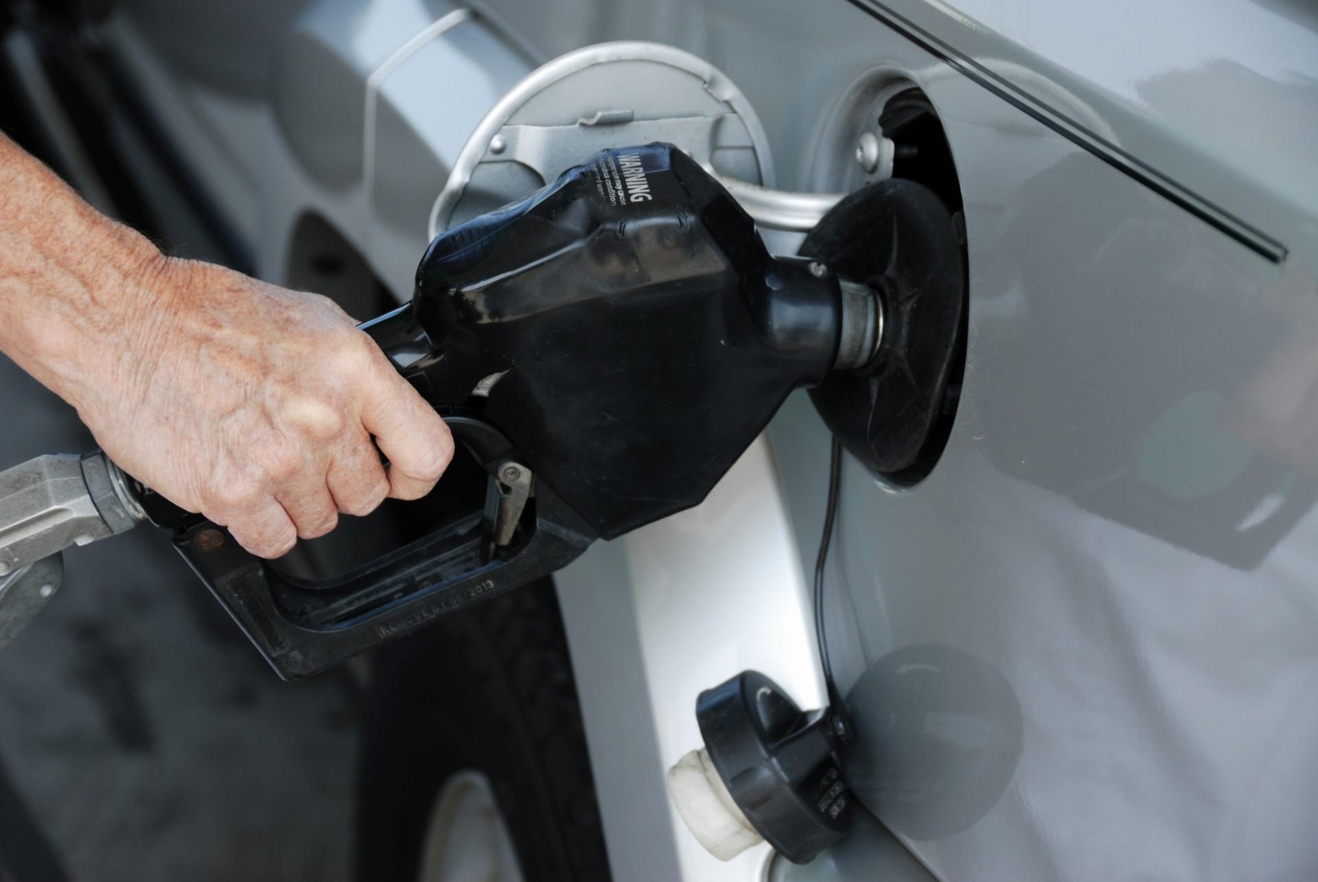 pumping-gasoline.jpg