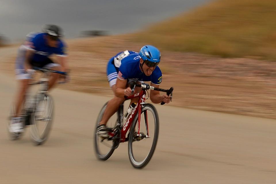 cycling-659740_960_720.jpg