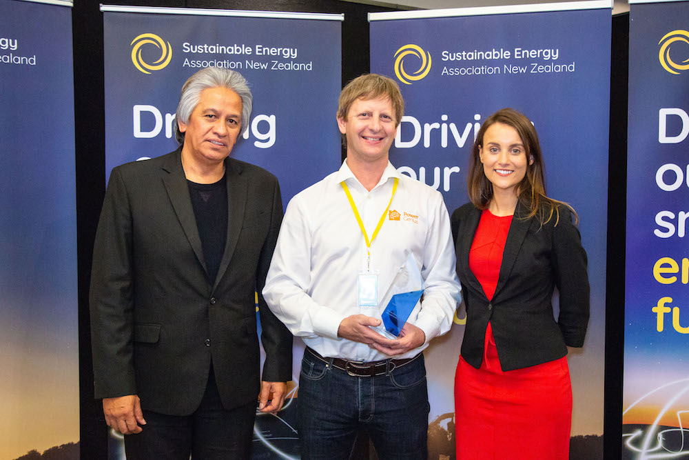 Innovation Award Winner-Ben Stanton, PowerGenius, with SEANZ Chair Brendan Winitana and Keisha Noronho, from sponsor, Fronius Inverters