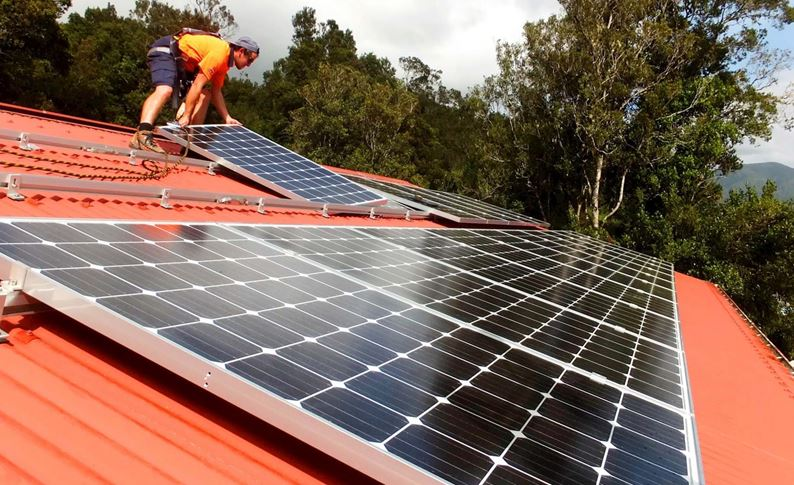franz-josef-solar-installation-with-moving-panels