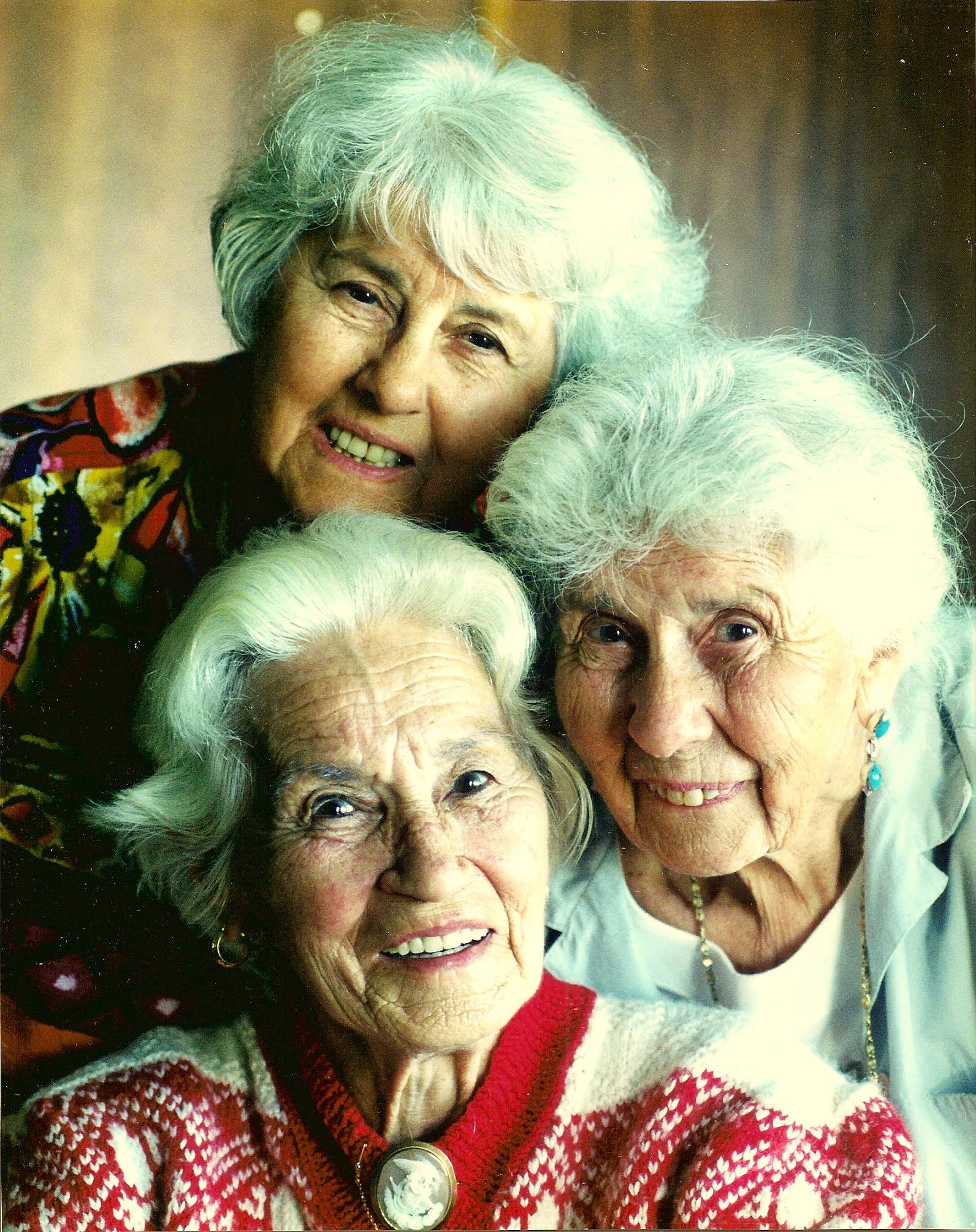 Merle Highet (top/rear) with her sisters Sylvia Harding (right) and Della Elliott (front).