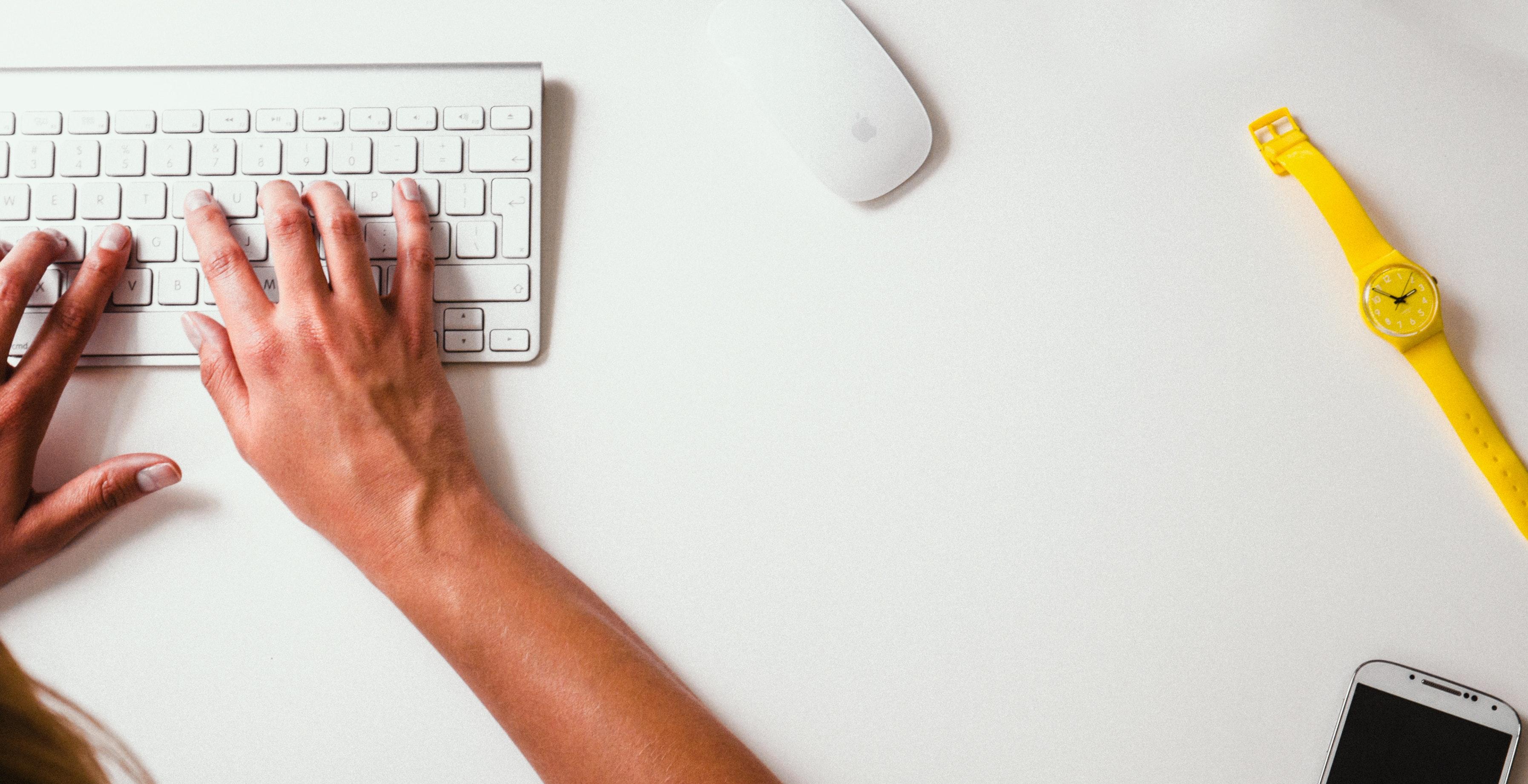 desk-keyboard-typing-8264.jpg