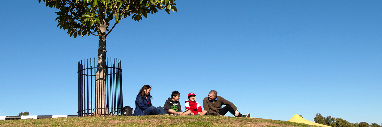 sydney_family_on_hill_a_plan_for_growing_sydney_1500x500.jpg