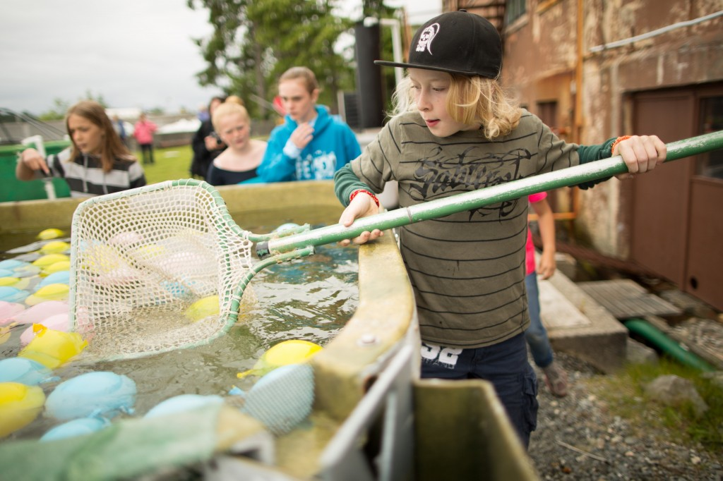 20130706_Science_Center_Salmon_Olympics_Alexander_Crook-7