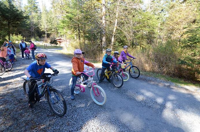 Kids_biking.jpg