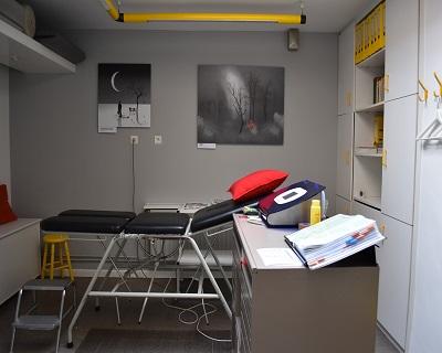 01-cabinet.jpg