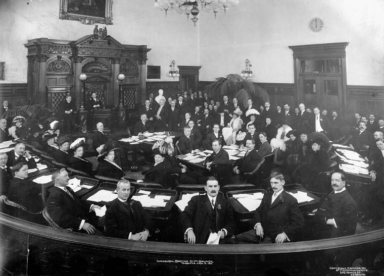 Inaugural_meeting_city_council__Toronto__9th_January_1911.jpg