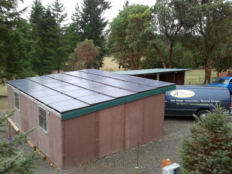 BIPV-Horse-Stable-Solar-Install1.jpg