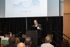 NWSolarSummit-3211-300.jpg