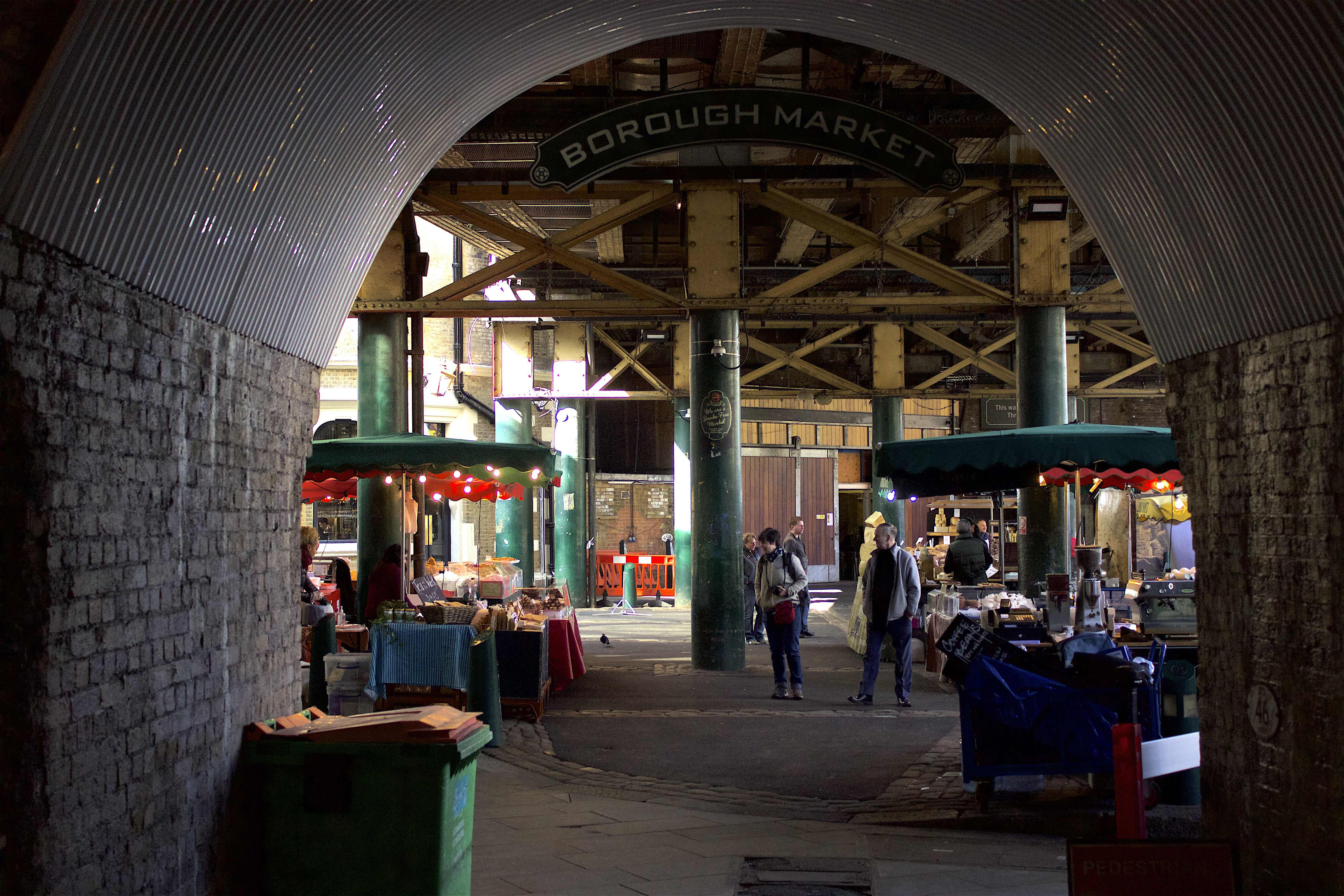 Borough_Market_Arches.jpg