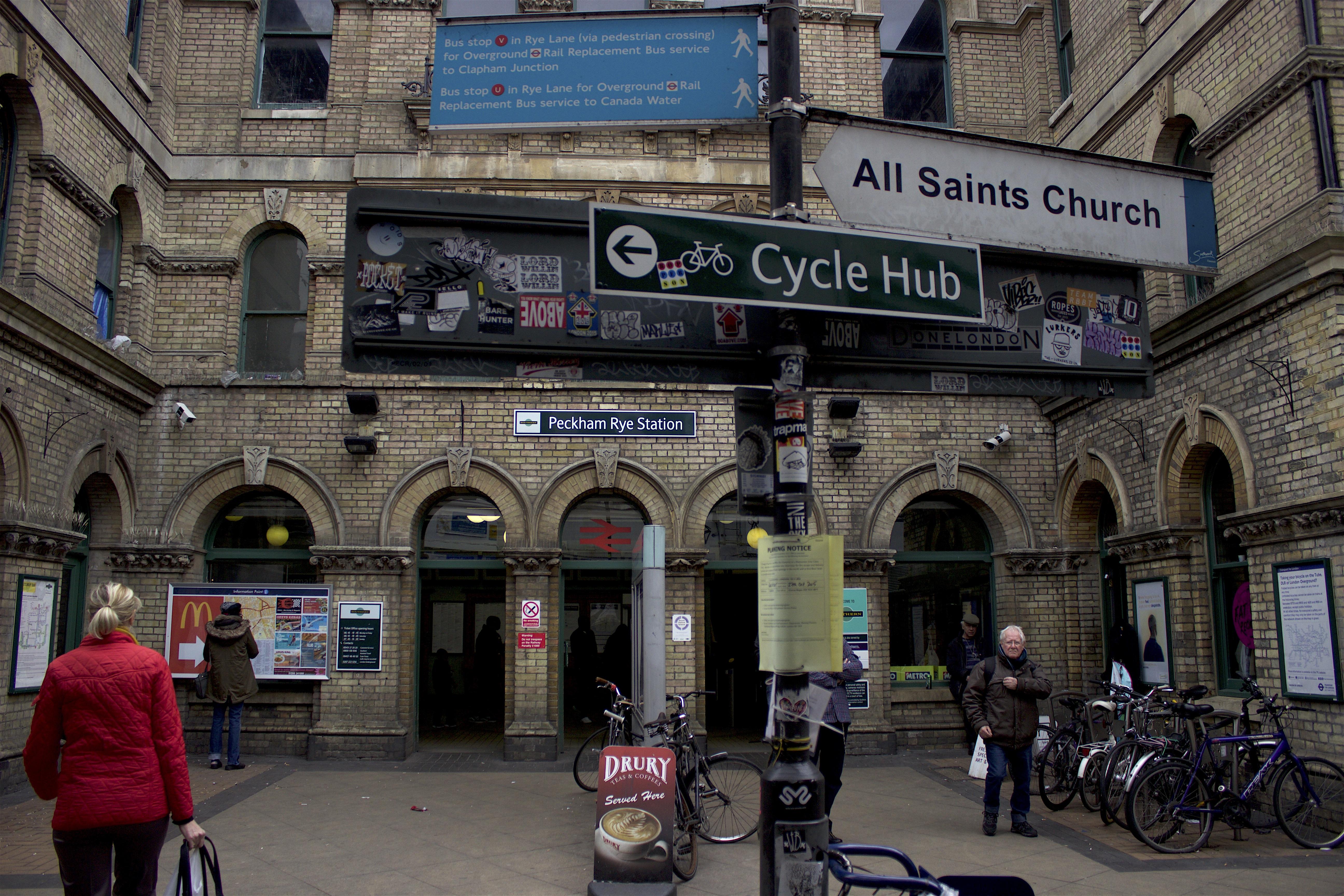 Peckham_Rye_Station.jpg
