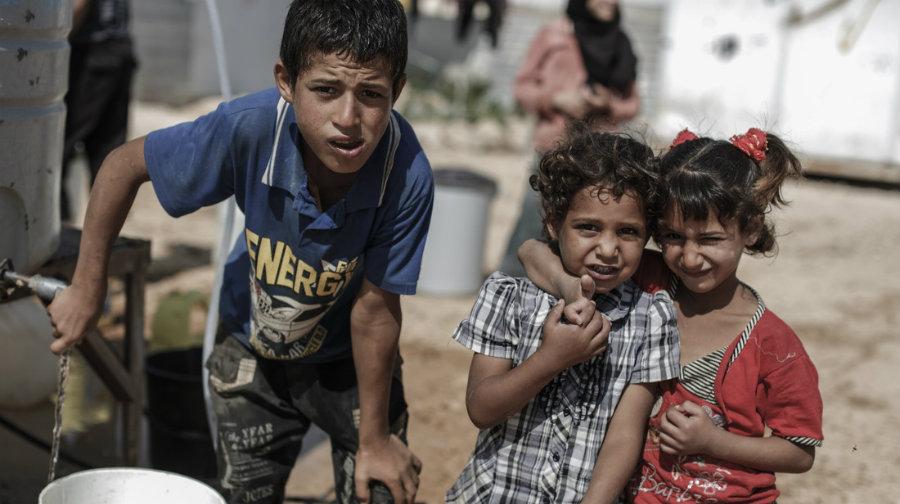 Children-in-Zaatari-camp-credit-Sam-Tarling.jpg