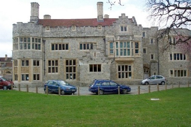 kingswood_house_front.jpg