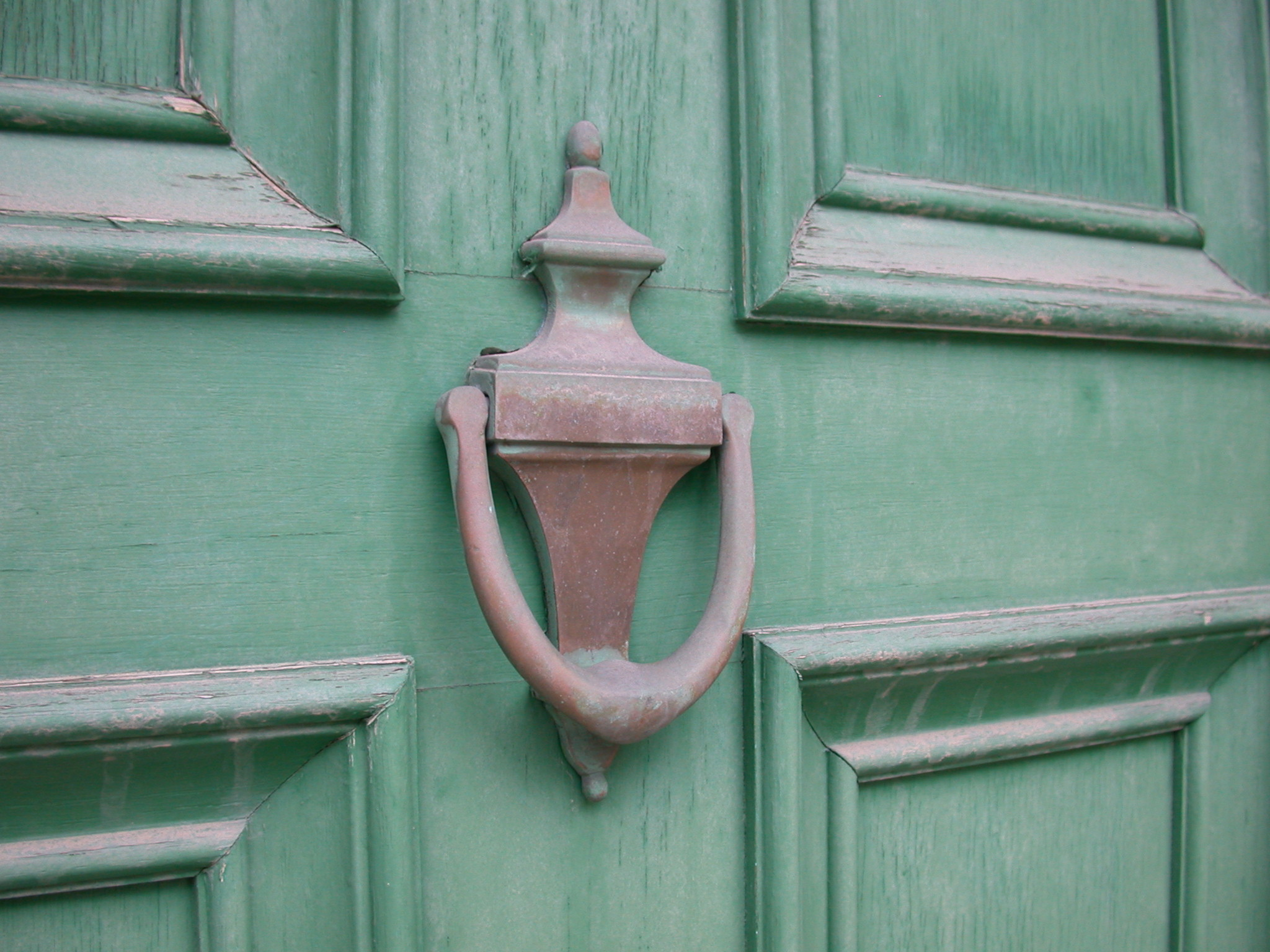 Old_Brass_Door_Knocker.jpg