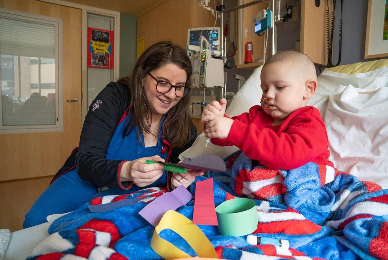 Meet Sarah Certified Child Life Specialist Speak Now For Kids