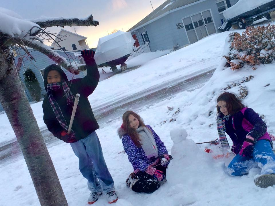 Dee_snow_kids.jpg